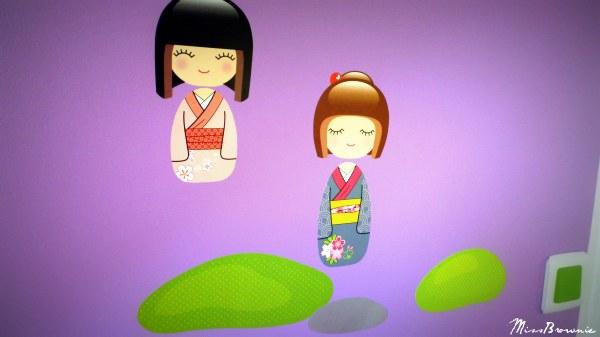 photo stickers muraux kokeshi