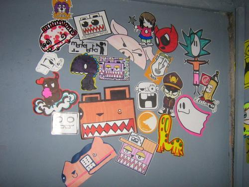photo stickers muraux street art